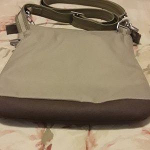 Bags - NWOT Pacsafe Citysafe LS50 Crossbody bag